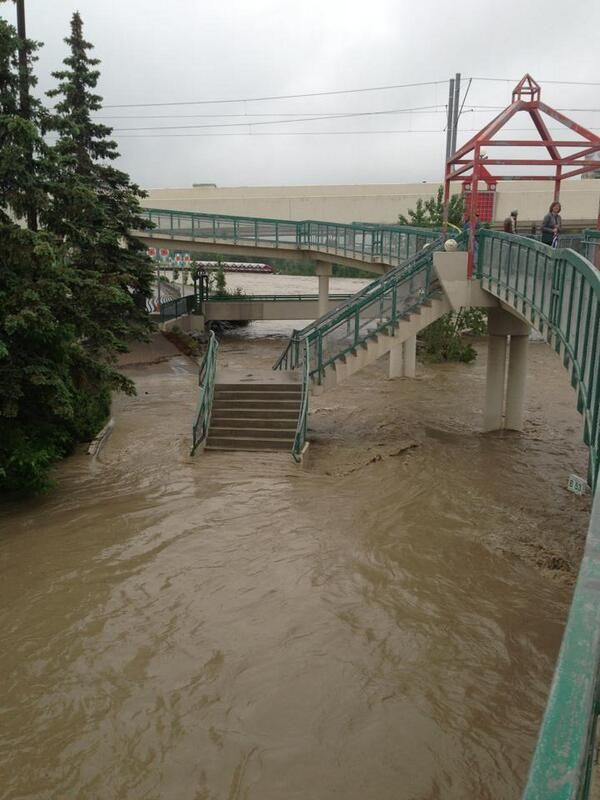 Photo of 9A St at Memorial Drive in Calgary this morning (taken by @landtanklarry)