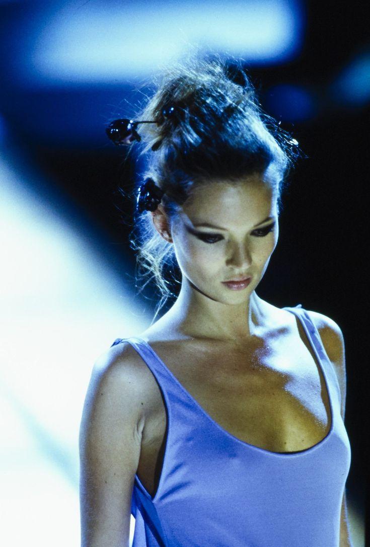 Kate Moss, Versace s/s 1997