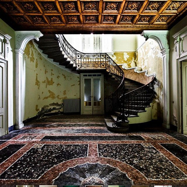 Haunted Places In Las Vegas 2014: 25+ Best Ideas About Abandoned Mansions On Pinterest