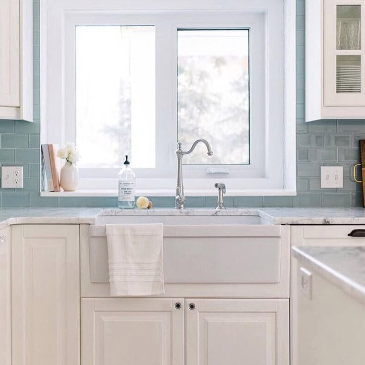 33 inch reversible fireclay farmhouse sink with decorative