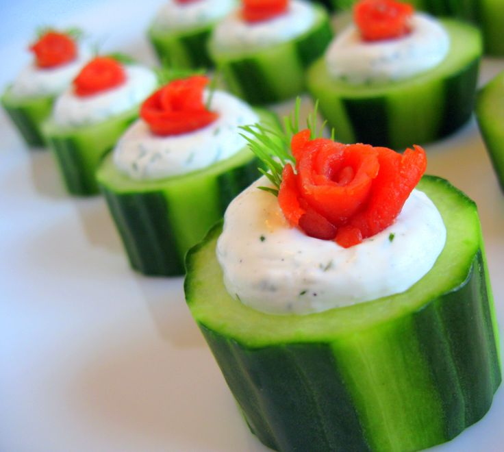 Stuffed cucumbers with smoked salmon roses cream cheeses for Canape cup fillings
