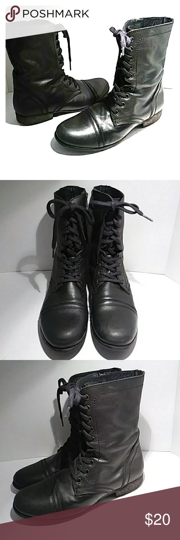 Steve Madden lace up boots Nice dark hunter green leather boots that can be worn all year round. Goes well with shorts, skirts & dressss Steve Madden Shoes Lace Up Boots