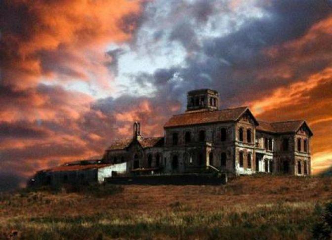La terrorífica historia de las 10 casas encantadas más famosas de España | Negocios.com