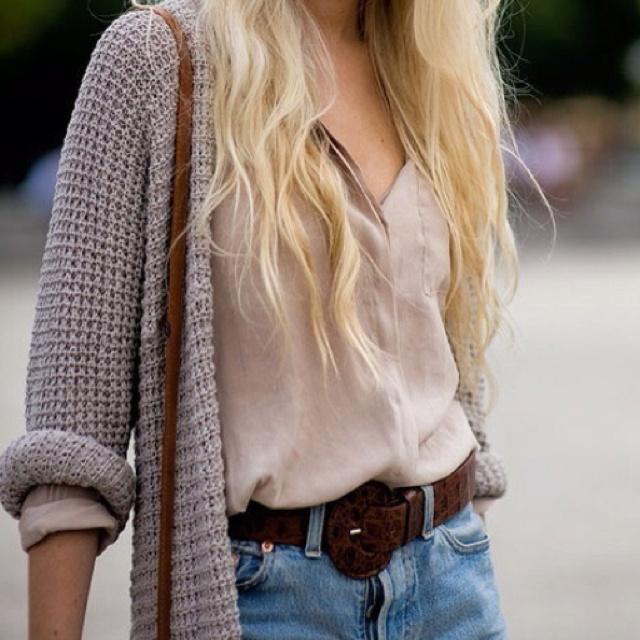 knit sweaters <3: Sweaters And Shorts, Chunky Sweaters, Fall Outfits, Summer Outfits, Summer Night, Denim Shorts, Jeans Shorts, Knits Sweaters, Chunky Knits
