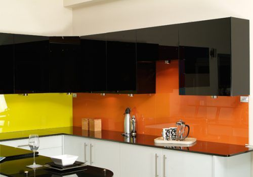 Creative Kitchen Decoration with Backpainted Glass Cabinet