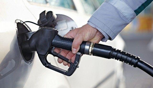 Η Ελλάδα στις έξι ακριβότερες χώρες διεθνώς στη βενζίνη: Πολλαπλές παρενέργειες σε όλη την αλυσίδα παραγωγής αναμένεται να έχει η εκτίναξη…