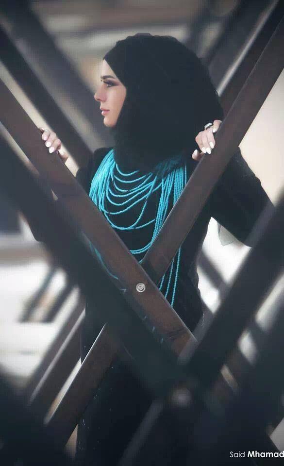 Black with turquoise necklace #HijabMuseum.com love this || #hijab #hijabi #muslimah