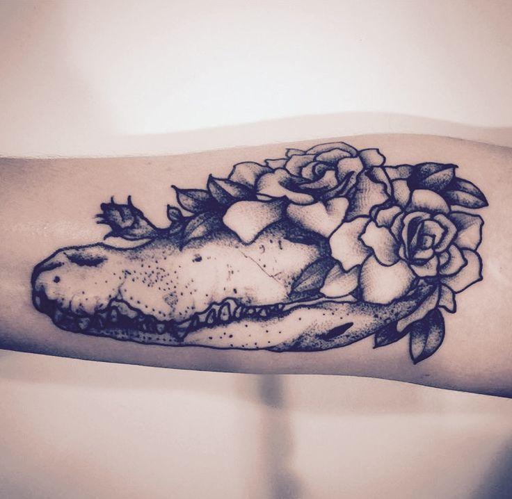 Crocodile skull with flowers.  Artist: Ollie at Kaleidoscope Tattoo Bondi