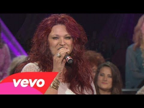 Charlotte Ritchie - Down To The River To Pray (Live) - YouTube