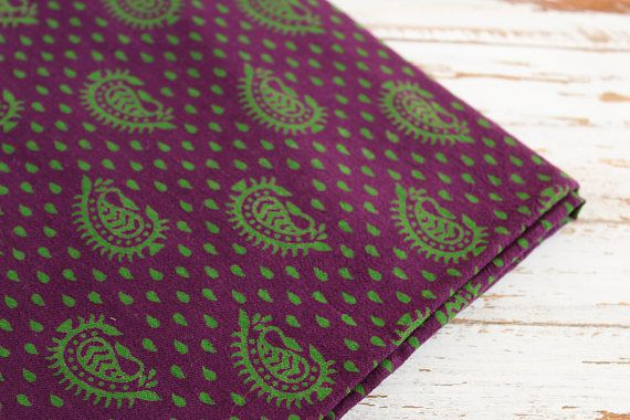 Fin de boulon - 2.6 yards d'indien bloc impression tissu, tissu de coton indien, tissu imprimé Paisley, violet et vert bloc impression tissu