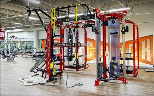 The Hoist Fitness Motioncage In Crunch Gym Hoist Fitness Crunch Gym Hoist
