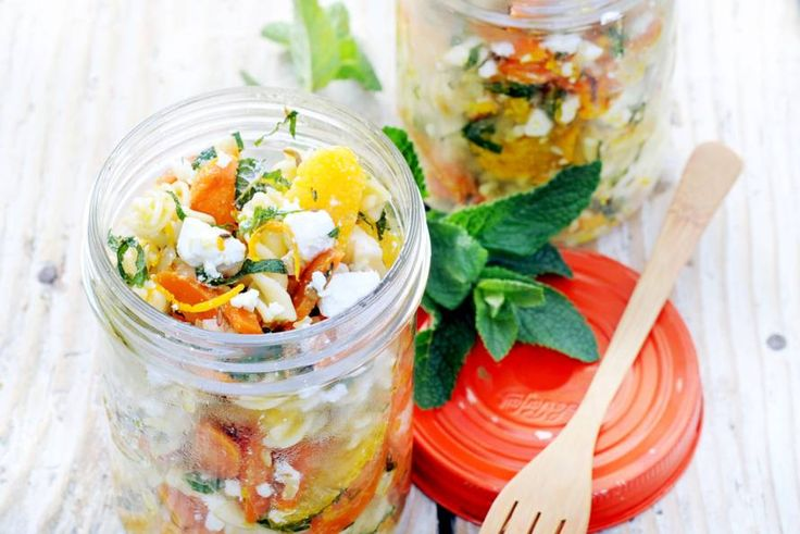 Pastasalade met wortel, witte kaas & sinaasappel - Recept - Allerhande
