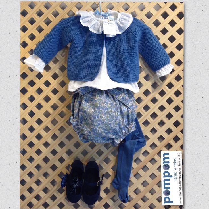 Conjunto Flores liberty. Ranita camisa volantes chaqueta todo hecho a mano en pompomburgos