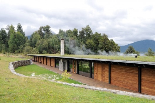 Casa en el lago Rupanco / Izquierdo Lehmann (9)