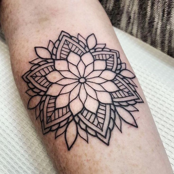 25 Best Ideas About Mandala Tattoo Design On Pinterest: 25+ Best Ideas About Small Mandala Tattoo On Pinterest