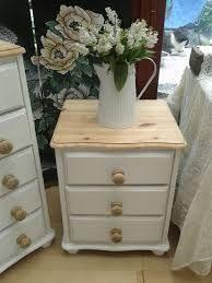 Resultado de imagen de painting a pine table cream