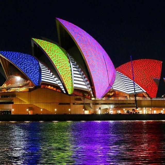 Sydney we love you #vivid #vividsydney #lights #harbourcity #pok