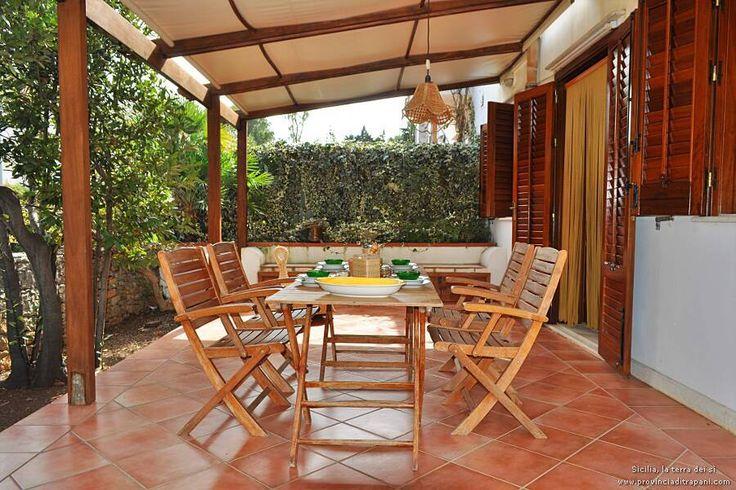 Oltre 25 fantastiche idee su tavolo per veranda su for Veranda con caminetto a gas schermato