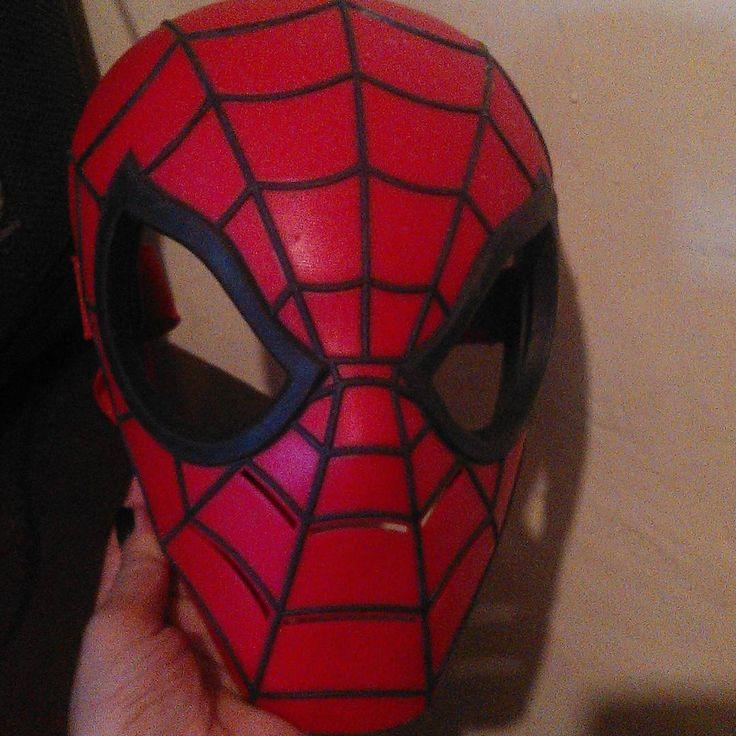 En venta fabulosa mascara NUEVA  de spiderman original (Producto americano)  #EnVenta #Nueva #nuevo #mascara #superheroe #elhombrearaña #Spiderman #marvel #cumpleaños #niño #kids #caracas #venezuela #oferta #barato #fiesta #party #disfraz http://ameritrustshield.com/ipost/1547357999953459373/?code=BV5UecXlbit