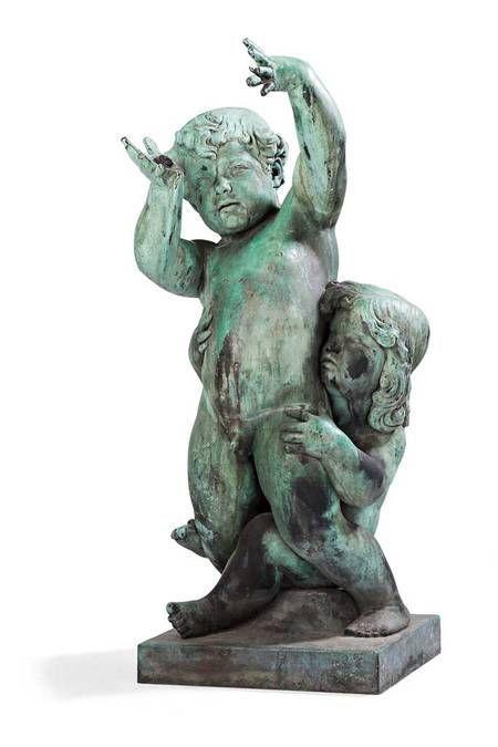 """Emil Stadelhofer (1872-1961) - grote bronzen fontein beeltenis van een jongen en een meisje - Duitsland - gedateerd 1911.  Een antieke grote sculptuur / fontein door Emil Stadelhofer (1872-1961). Het is gemaakt van brons en verworven door de jaren heen een mooi patina. Beeltenis van een jongen en een meisje. Ondertekend en gedateerd op het basis Emil Stadelhofer 1911 en """"guss.v.a Brandstetter Munchen"""".Afmetingen: hoogte 118 cm sculptuur base: 48 x 49 cm gewicht ongeveer 100 kg.Emil…"""