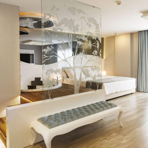 Trio Mimarlık: 2011 yılından beri İzmir'de faaliyet gösteren, Özsüt, Fiyap, W Hotels, Folkart gibi firmalarla çalışan, genç ve dinamik mimarlık firması