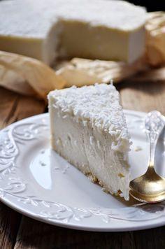 Kuchnia w zieleni: ciasta bez pieczenia - sernik Rafaello na zimno