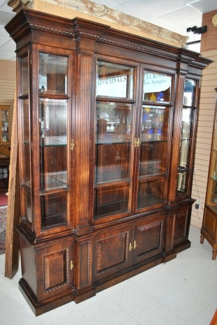 Large Breakfront Mahogany Lighted 4 Glass Door China