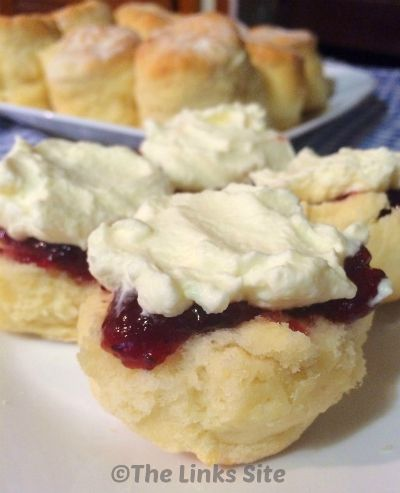 Quick and easy scone recipe - only 3 ingredients! These are great for breakfast with jam or for high tea with jam and cream!  thelinkssite.com