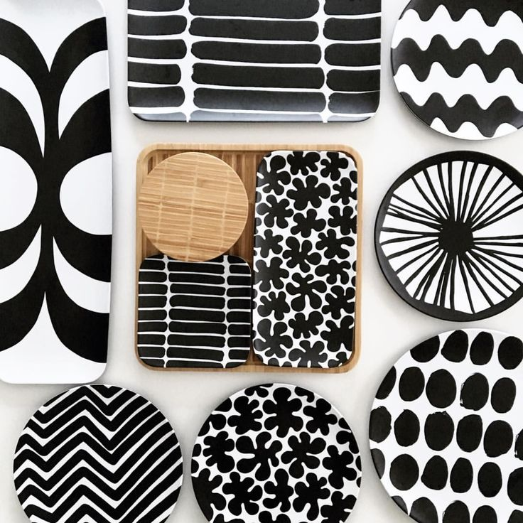 2017.2.16 . marimekko for target . . . バンブーのセットかなり可愛い . このシリーズ、並べるだけでテンションが上がります . . 自分でも呆れるほど食器が好き♡ . . #marimekko #marimekkohome #marimekkolife #tablewear #scandinaviandesign #scandinavian #monotone #blackandwhite #instalife #暮らし #マリメッコ #マリメッコフォーターゲット #ターゲット #モノトーン食器 #白黒食器 #白黒雑貨 #白黒インテリア #白黒 #北欧 #北欧食器 #北欧雑貨 #バンブー