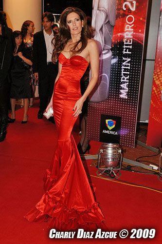 Vestido Rojo  Las Oreiro Isabel Macedo