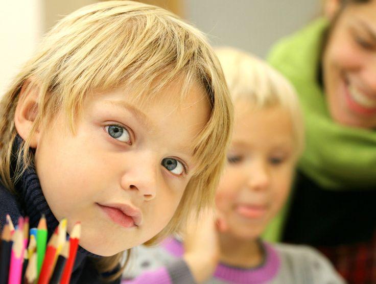 Jak podaje portal gazeta.pl posłanka Platformy Obywatelskiej prof. Alicja Chybicka jest zdania, że niezaszczepione dzieci nie powinny być wpuszczane do szkół(!). Prawnicy wskazują jednak, że takie …