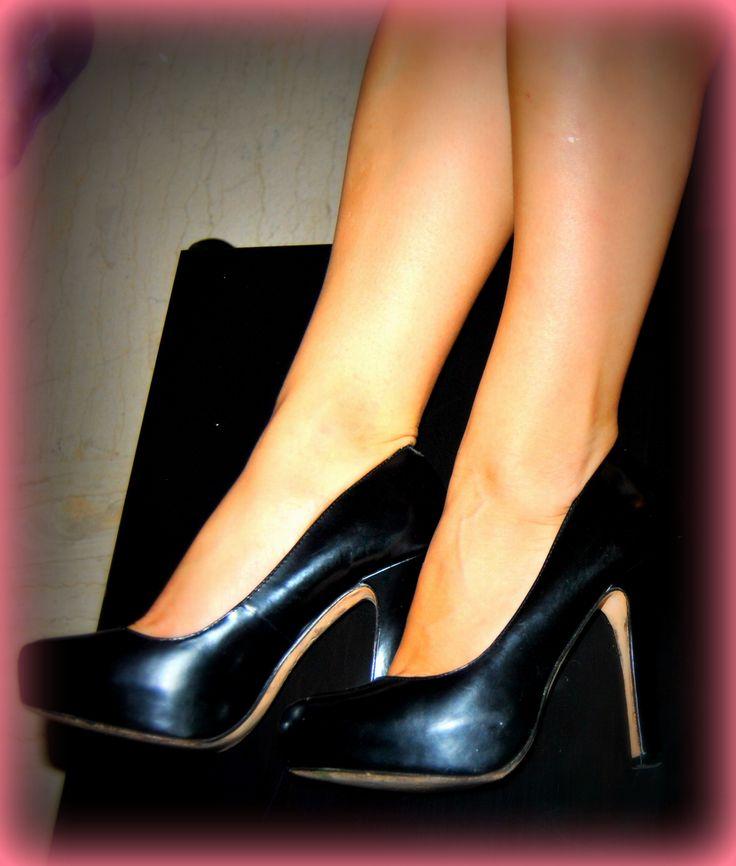 black steve madden high-heel