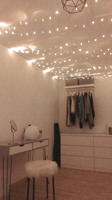 Tumblr Zimmer Mit Lichterkette An Der Decke Der Offene
