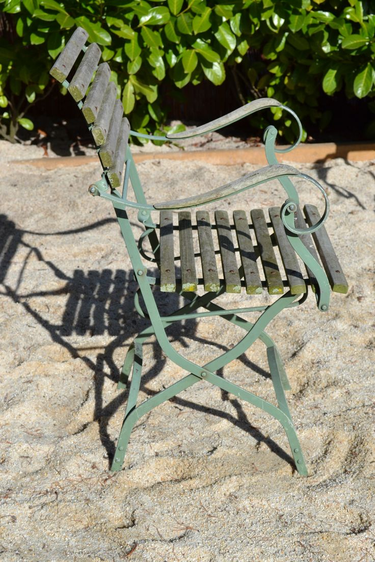 25+ beste idee u00ebn over Franse Stoelen op Pinterest   Gestoffeerde stoelen, Verstoorde stoel en