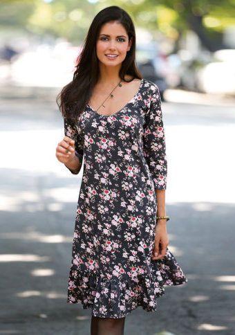 Šaty s květinovým potiskem #ModinoCZ #forfreetime #comfortable #stylish #fashion #trendy #clothing #obleceni #moda #volnycas #stylove