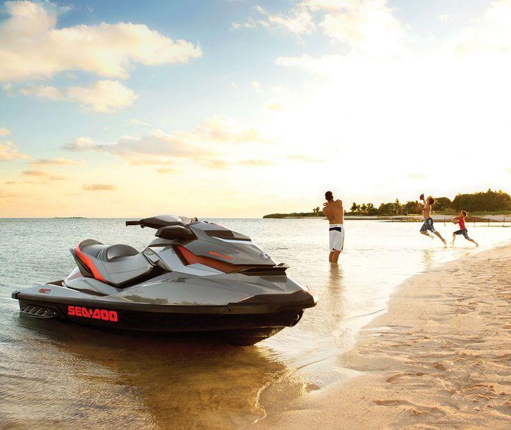 Es gibt viele Möglichkeitender Hitze des Sommers mit einer echten Erfrischung zu begegnen,den größten Spaß dürfte hier aber zweifellos ein Jetboot machen. Mit demSea-Doo GTI Limited 155 hat man ...