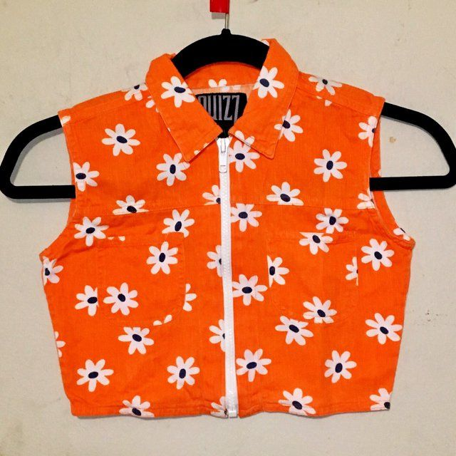 "90s Cyber mod zip up orange daisy crop top⭐️ (Laying flat) Length 11"" Pit to pit 14.5"" Waist 12.5"" (doubled 25"") Shoulders 12"" Item does not stretch  Estimated women's XS"