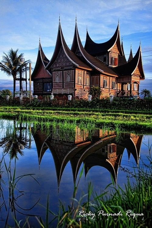 Rumah Gadang, a traditional house of West Sumatra, Indonesia. The details are so gorgeous if you view this house from near. Photographed by Ricky Purnadi Riqua.