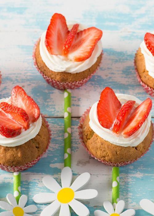 Cupcakes Borboletas de Morango by Vaqueiro