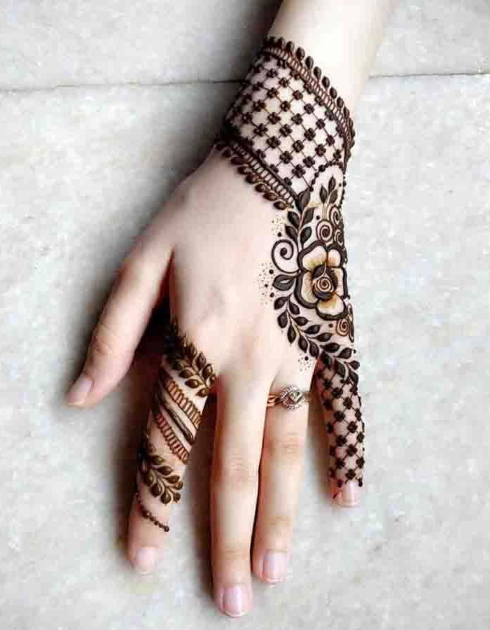 Back hand Easy and simple mehndi design 2019