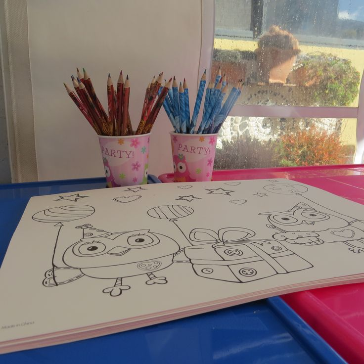 Colouring Table -  Giggle and Hoot