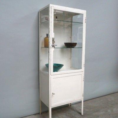 vintage-weisser-stahl-und-glas-medizinschrank-1940er-02.jpg 400×400 Pixel