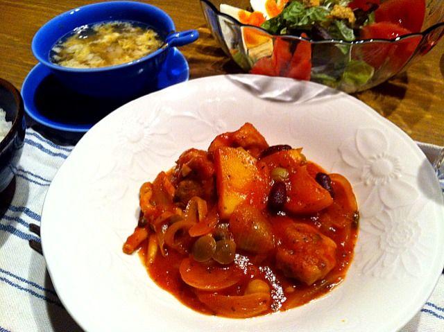 こんばんはー。今日は、コストコのトマトソースをつかった料理。玉ねぎ、鶏肉、じゃがいも、シメジ、ミックスビーンズ。豆が美味しいなー(^_−)−☆ - 7件のもぐもぐ - ガチャトーレ  サラダ  玉子スープ  きゅうりの酢物 by 126kei
