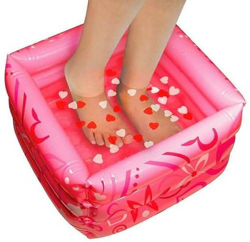 Feel great, right down to your toes. Deluxe heart-themed set, includes an inflatable pedicure pool, towel, spa slippers, toe separator, nail buffer and file, confetti soap, 3 bottles of nail polish-including French white, nail art and sparkling rhinestones. When you are finished, store all your supplies in the handy spa tote.