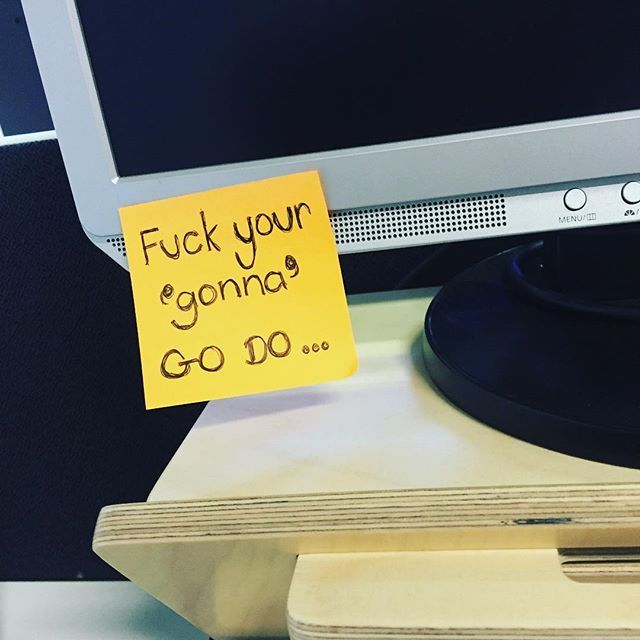 You know you're working with your people when this is on their computer screen  #yourvibeattractsyourtribe #doer #humandoing #doit #DO #workworkwork #entrepreneur #deskstand #motivationalquote #collaborate #postit #teamwango #moonwrench #inspire #workspace #desk