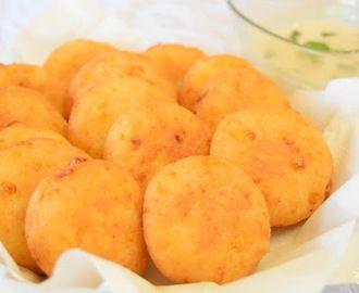 Arepas de maíz dulce y queso rallado