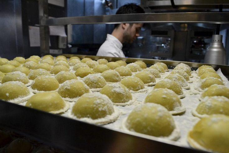 Ravioles de foie gras - En coulisse d'un restaurant étoilé à Paris