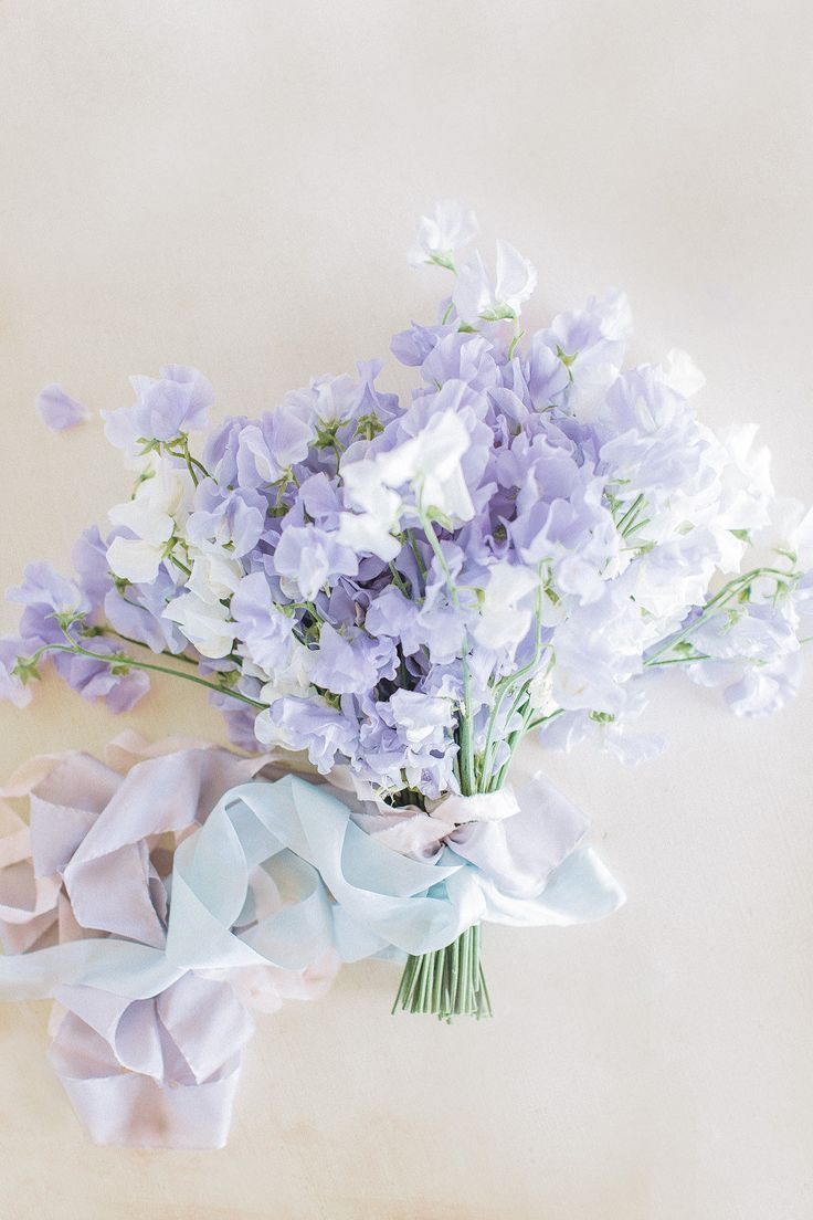 Sweetpeas in lavender + white