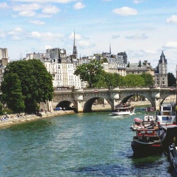 Paris quai de seine