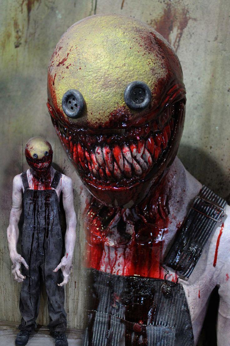 Creepycollection.com Props Emjoi killer prop
